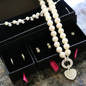 Pearl Heart Neckalce w/ Earring Set Avon